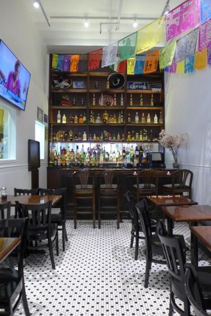 Mariachis bar