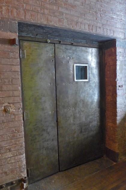 elevator1 door