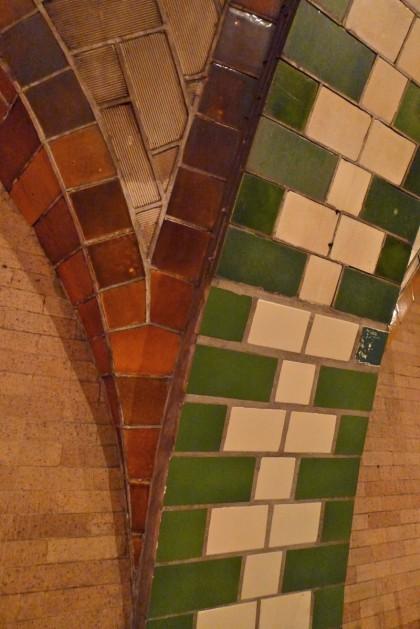 old city hall subway station bricks