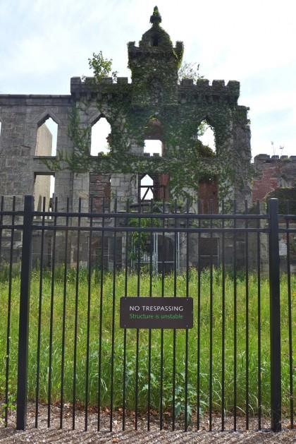 Roosevelt Island hospital ruins