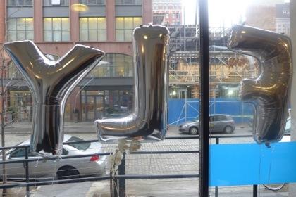 Flywheel Sports Tribeca balloons