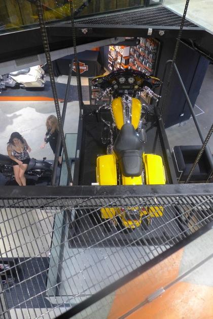 Harley-Davidson of NYC lift2
