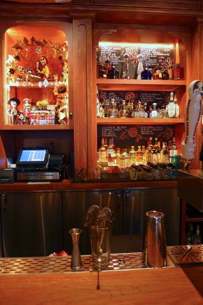 El Vez bar2