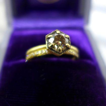 Satomi Kawakita hexagon setting ring