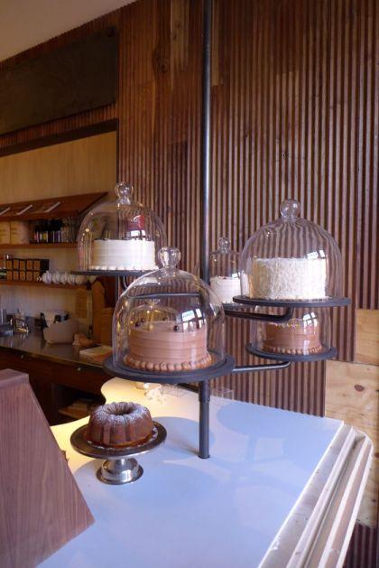 Baked cake pole