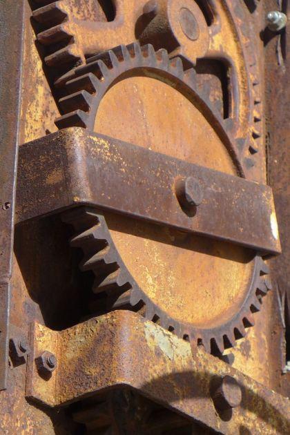 where in tribeca rusty gears