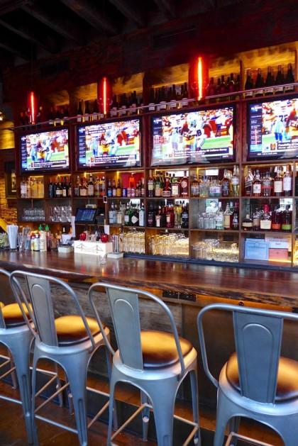 The Hideaway Seaport bar