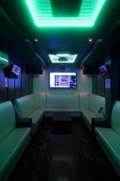 Gunbae large karaoke room2