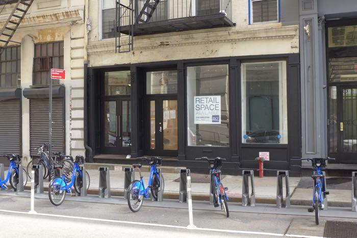 Leonard vacant storefront
