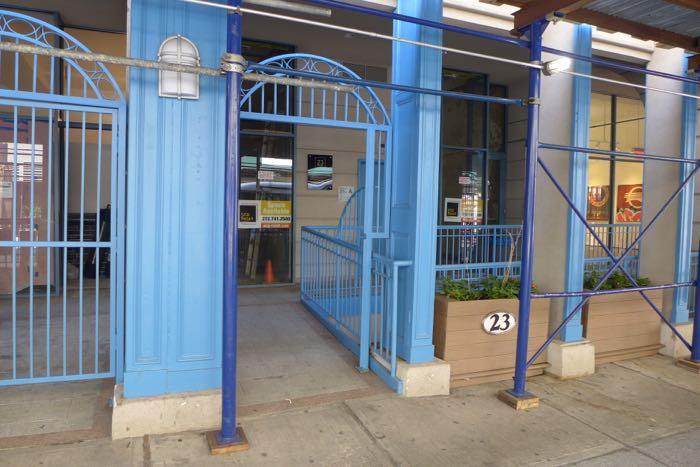 Warren vacant storefront
