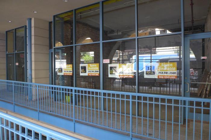 Warren vacant storefront2