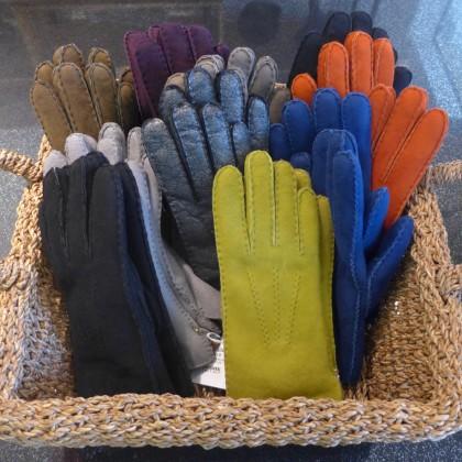 A Uno gloves