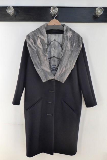 Haus Alkire coat