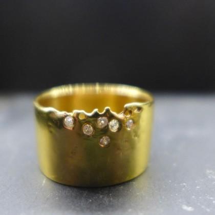 Uhuru Fine Jewelry ring