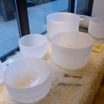 Goldish singing bowls