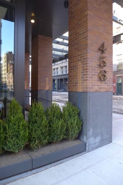 456 Washington entrance