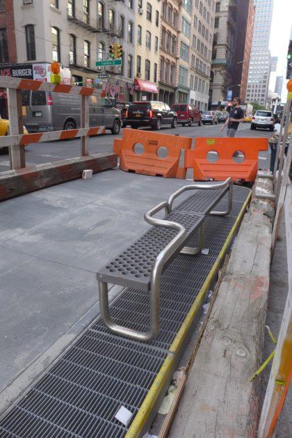 Broadway bus bulb bench
