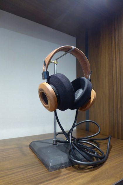 rag-and-bone-tribeca-headphones